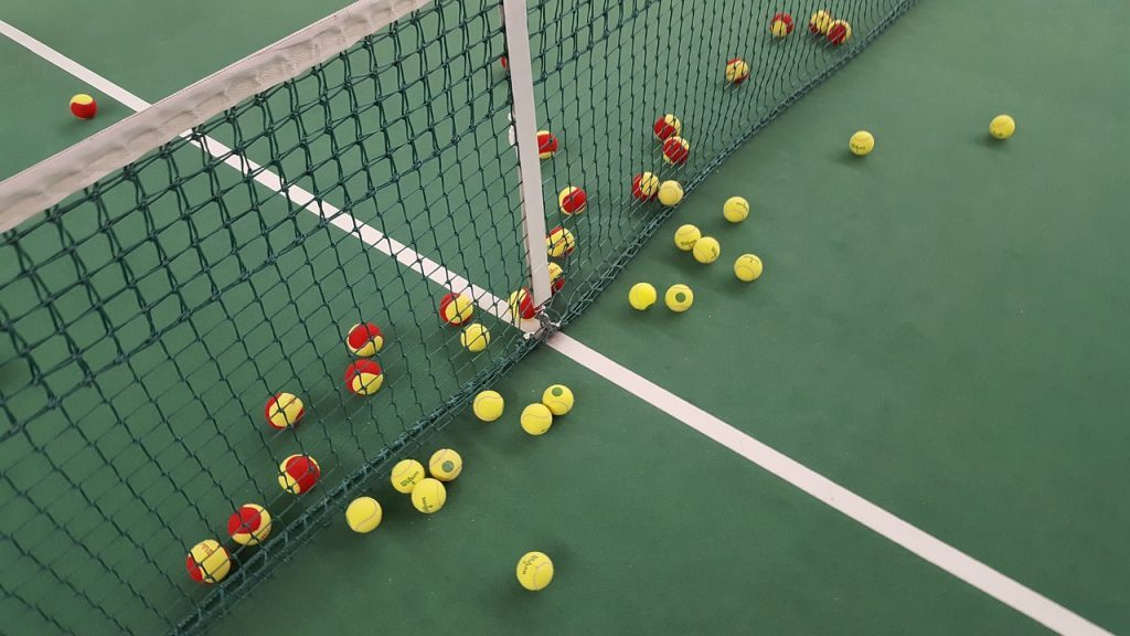 tennis-1732279_1280