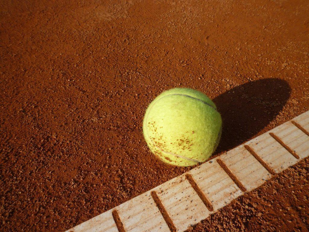 tennis-court-443277_1280